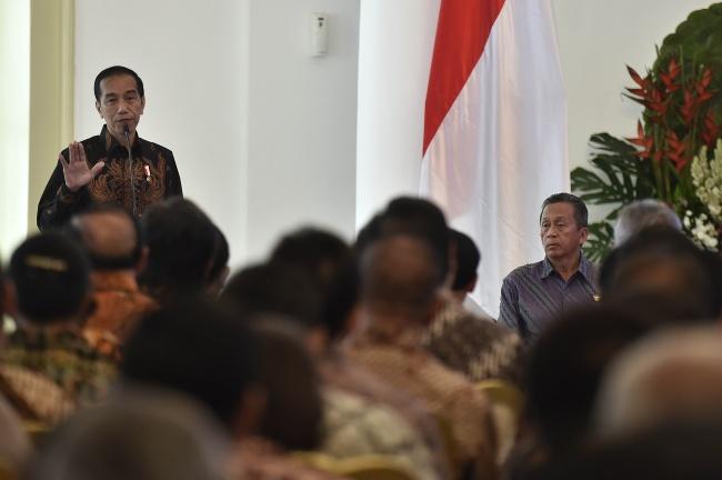 LAMPUNG POST | Jokowi Minta Masyarakat Setop Pertengkaran