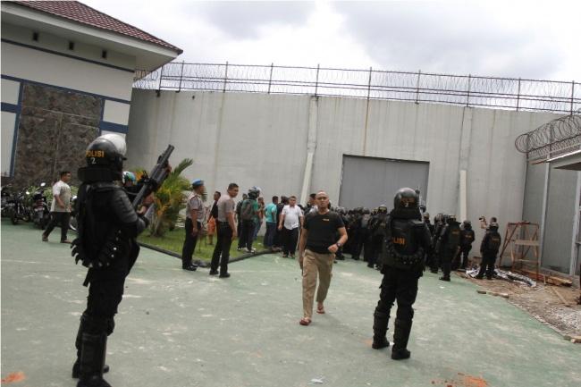 LAMPUNG POST   209 Tahanan Kabur Berhasil Ditangkap, Puluhan Masih Berkeliaran