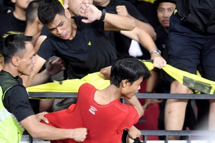 FIFA Jatuhkan Sanksi ke PSSI atas Kerusuhan di GBK