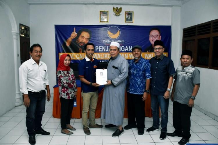 Firmansyah Kembalikan Berkas Pilwakot Bandar Lampung ke NasDem