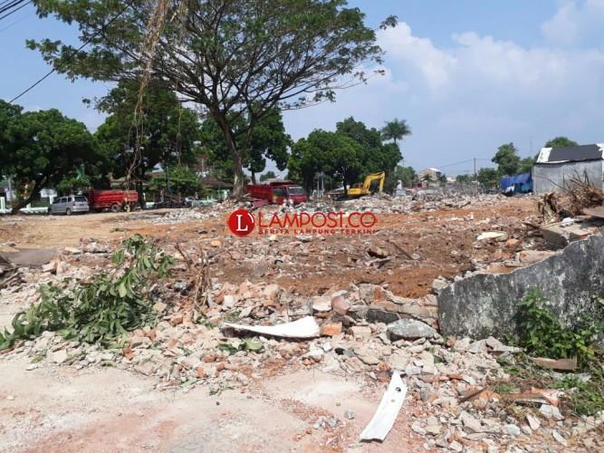 Gedung Eks SMPN 1 Metro Dirobohkan buat Lahan Parkir Wisma Haji
