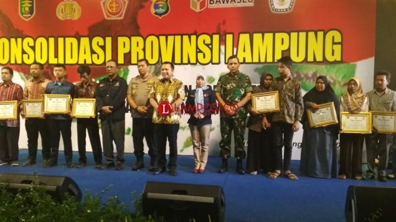 Gubernur Janjikan Bantuan dan Santunan untuk Keluarga PPS