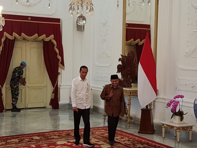 Habibie Temui Jokowi di Istana Merdeka