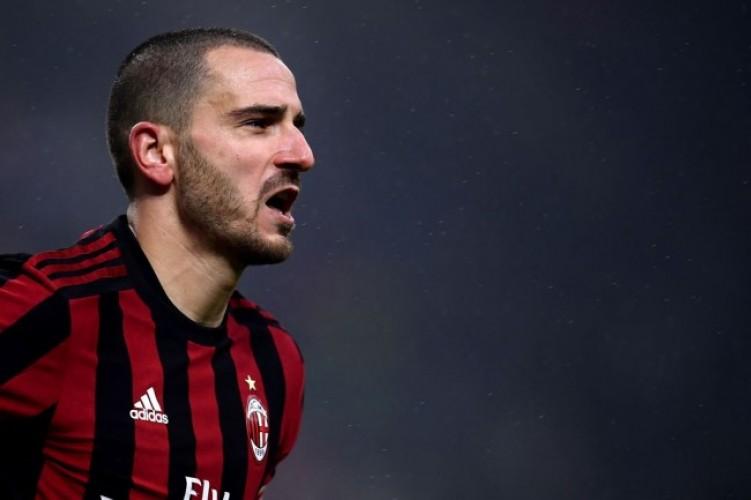 Higuain Resmi ke Milan, Bonucci Kembali Berseragam Juve