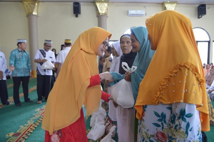 Himpunan Majelis Taklim Pesawaran Gelar Pengajian Akbar Peduli Kaum Duafa