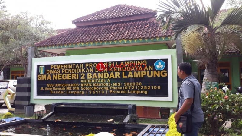 Indah Nur, Siswi SMAN 2 Bandar Lampung Raih Nilai UN Tertinggi di Lampung