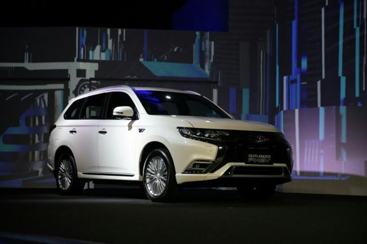 Ini Alasan Mitsubishi Luncurkan Outlander PHEV di Indonesia