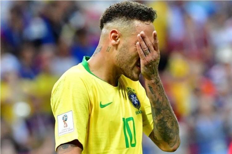 Jadi Tertawaan Publik, Neymar Dibela Dani Alves