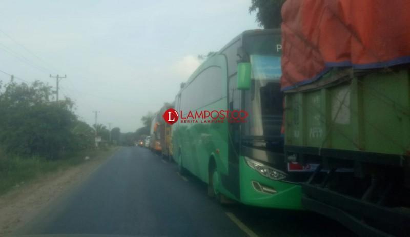 Jalintim Dipadati Kendaraan dari Jakarta ke Palembang