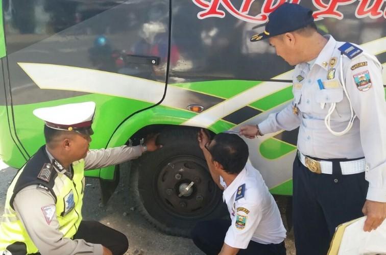 Jelang Arus Mudik Lebaran 2018,  Dishub Pesibar Lakukan Peninjauan Jalinbar