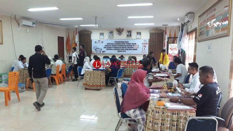 Jelang Sore, Partai Mulai Berdatangan Perbaikan Caleg di KPU Provinsi
