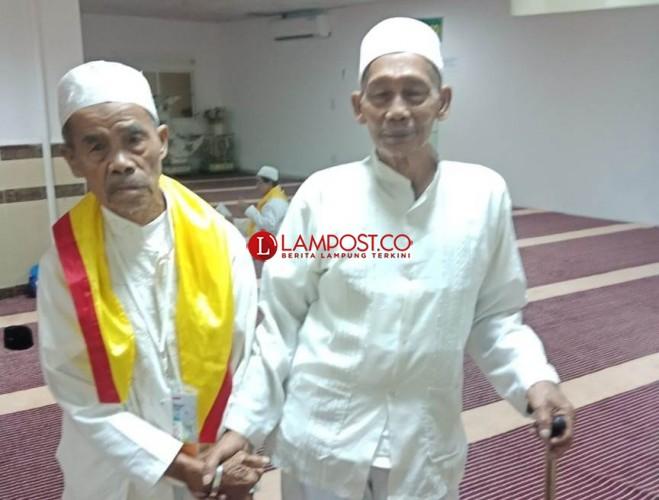 Jemaah Asal Lamsel Jalan Kaki 3 Km ke Masjidil Haram