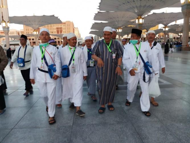 Jemaah Calon Haji Lampung Kunjungi Makam Rasullulah dan Raudhah
