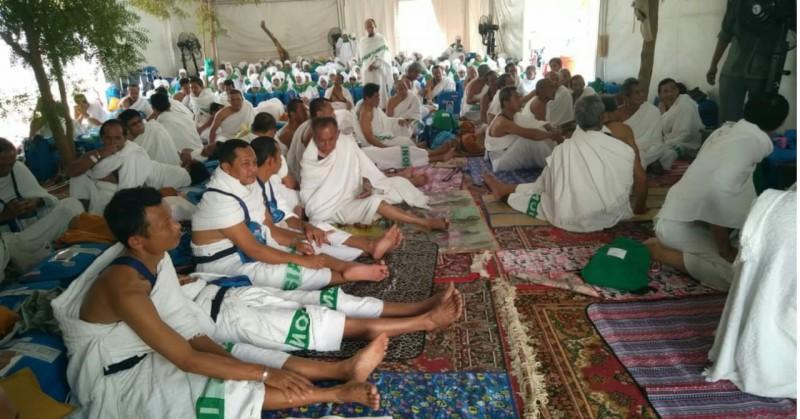 Jemaah Haji Kloter 11 JKG Lampung Tengah Hari Ini Telah di Arafah