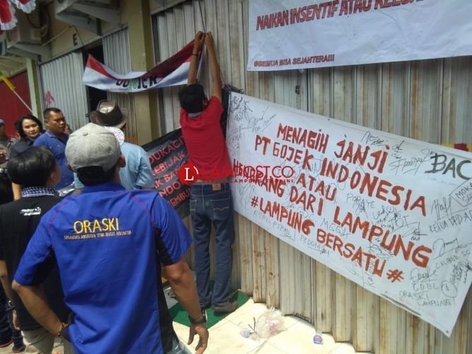 Jika Tuntutan Tak Dipenuhi, Driver Taksi Online Minta Gojek Angkat Kaki dari Lampung