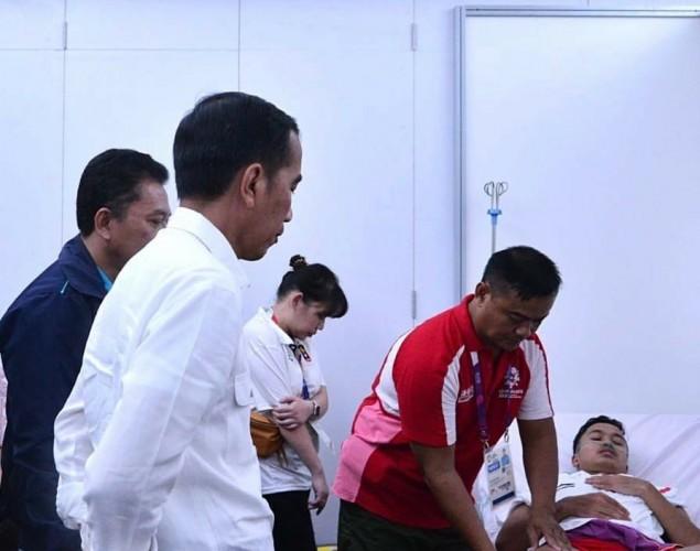 Jokowi Semangati Anthony Ginting