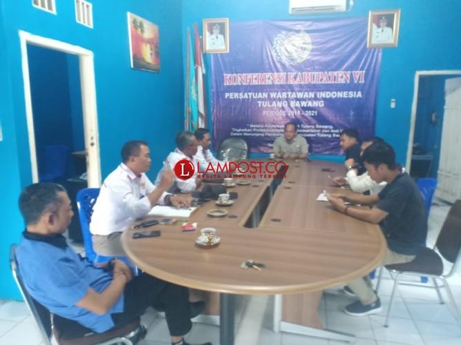JPKP Silaturahmi ke PWI Tulangbawang