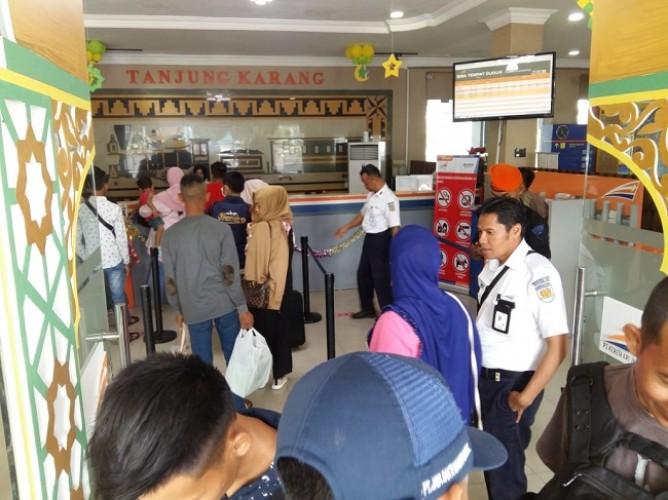 KAI Tanjungkarang Sudah Berangkatkan 19.792 Penumpang