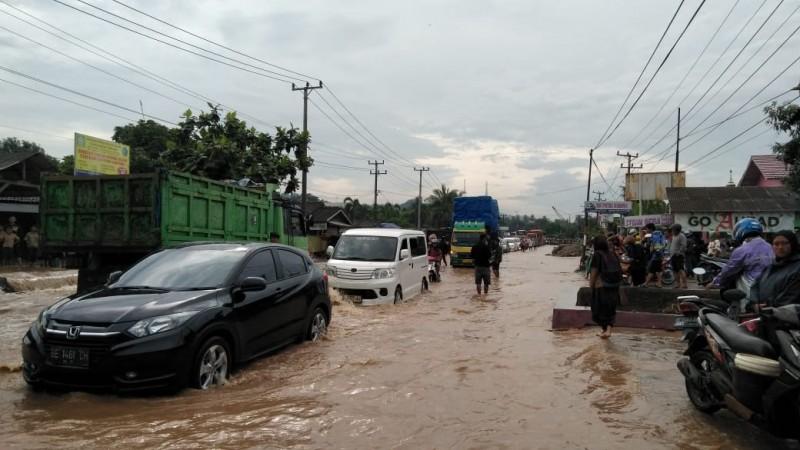 Katibung Banjir, Timbulkan Kemacetan di Jalinsum