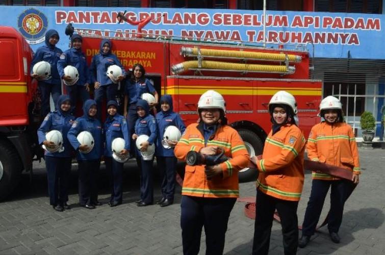 Kerja Unik Pemadam Kebakaran