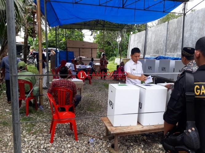 KPU Pesisir Barat Gelar Pemungutan Suara Ulang di TPS 1 Pekon Rawas