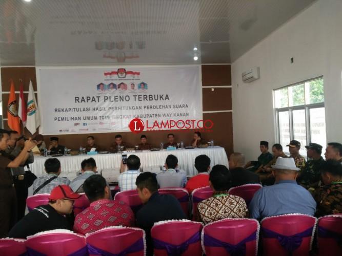 KPU Way Kanan Gelar Pleno Terbuka Rekapitulasi Tingkat Kabupaten