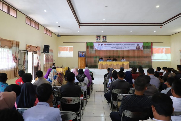 Lambar Gelar Pelatihan Sumberdaya Ekonomi Berbasis Kearifan Lokal
