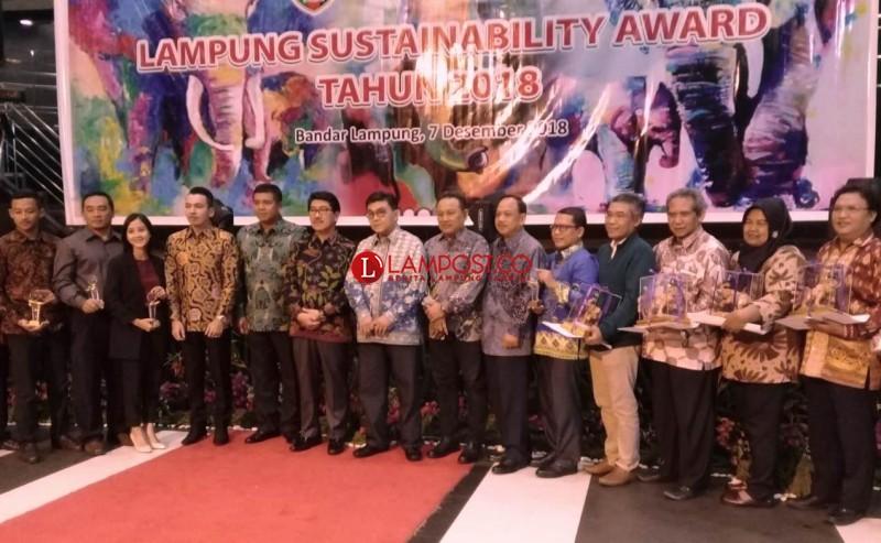 Lampung Post Raih Lampung Sustainability Award 2018