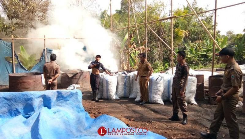 Lokasi Pembuatan Arang di Palas Disidak