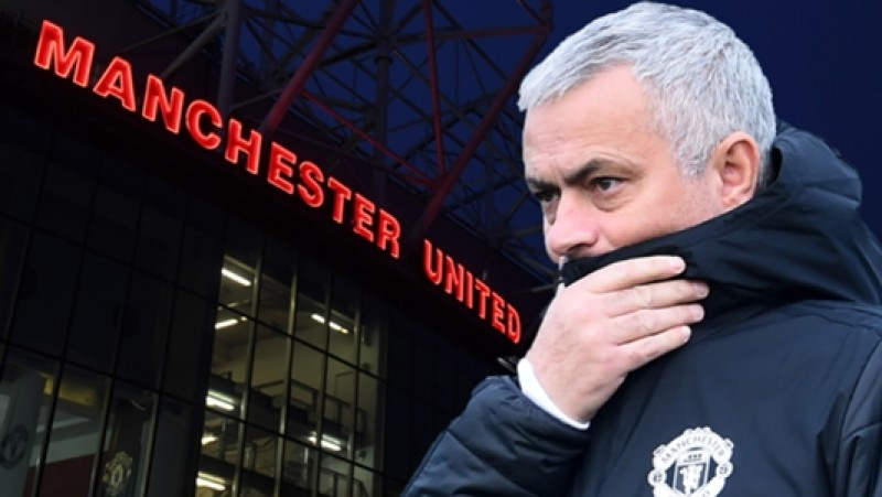 Manchester United Resmi Pecat Jose Mourinho