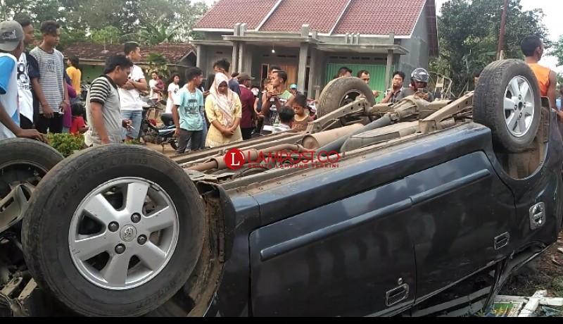 Nahas! Usai Lakukan Pengamanan Pilgub, Anggota Polres Tulangbawang Tengah Tertabrak Minibus