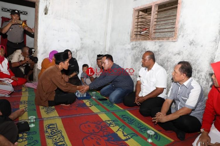 Nanang Sambangi Keluarga Balita Diduga Tewas Setelah Disuntik Vaksin MR