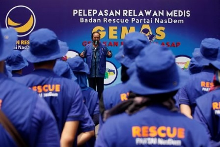 NasDem Terjunkan 66 Tenaga Medis ke Lombok