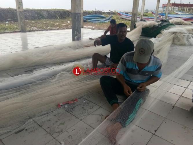 Nelayan Krui Tak Seluruhnya Menikmati Bantuan Pemerintah