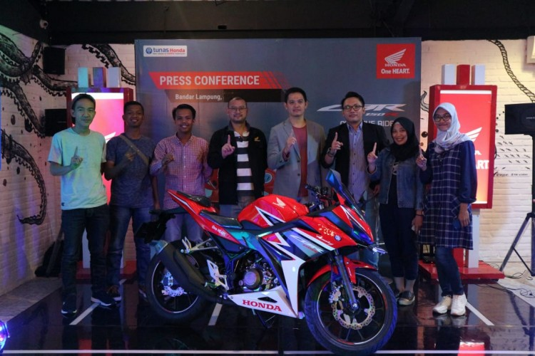 New Honda CBR150R Tampil Makin Sporty