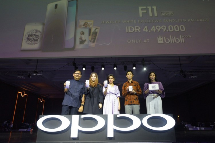 OPPO - Instax Hadirkan F11 Jewelry White Exclusive Bundling Package