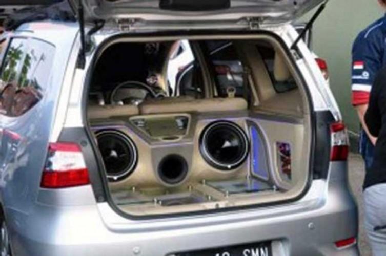 Pakai ini Biar Audio Mobil Jadi Enak Didengar