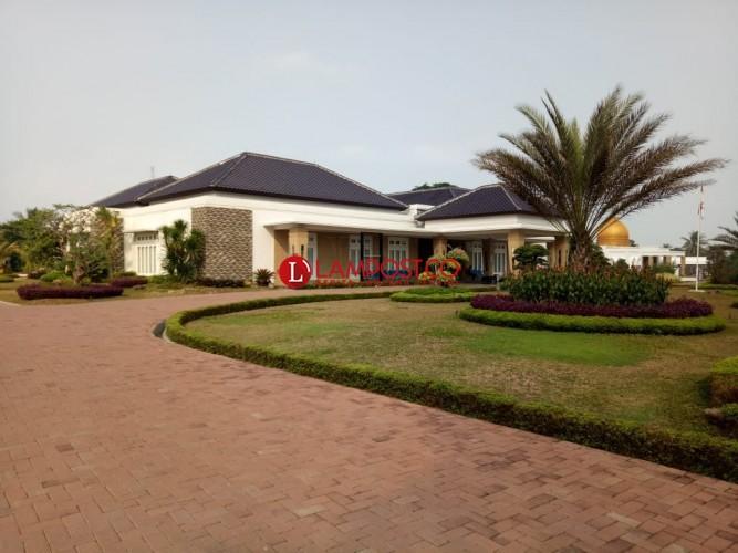 Pasca-OTT KPK, Rumah Bupati Lamsel Tampak Lengang