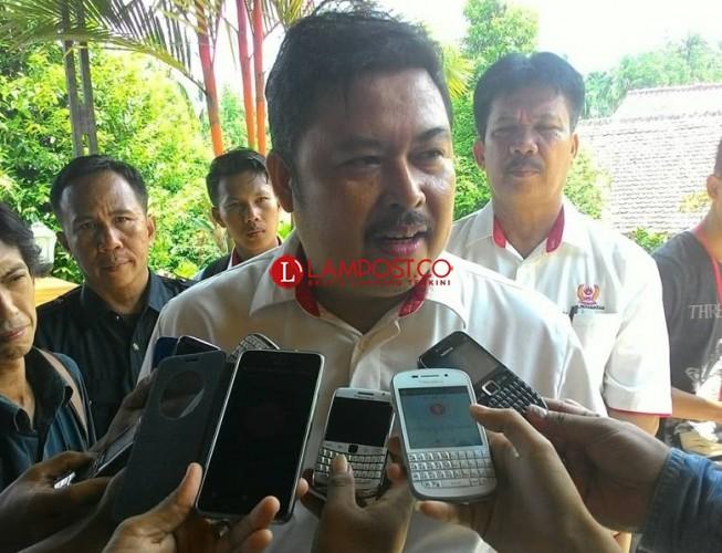 PDIP Pesawaran Keukeuh Majukan Hipni Idris Sebagai Bacaleg