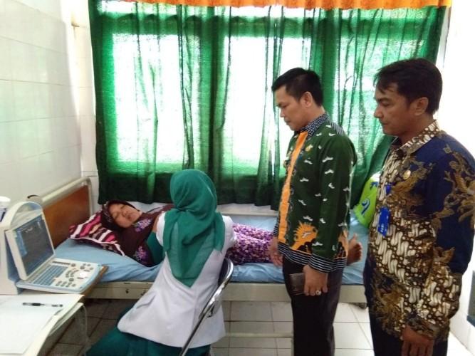Pelaksanaan Mobil Clinic Dinkes Pesibar Layani 100 Pasien