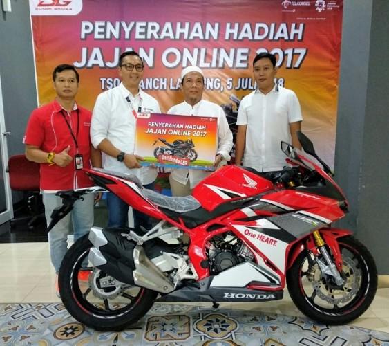 Pelanggan Lampung Rebut Hadiah Utama Festival Jajan Online 2017