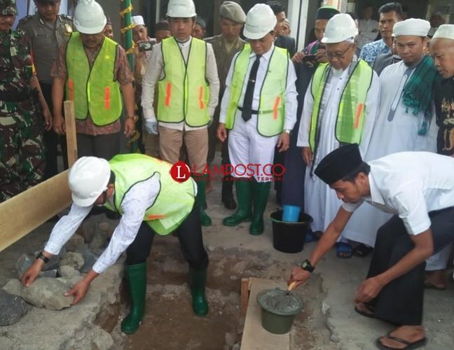 Pembangunan Masjid Al-Manshur di Liwa Telan Dana Rp2 Miliar