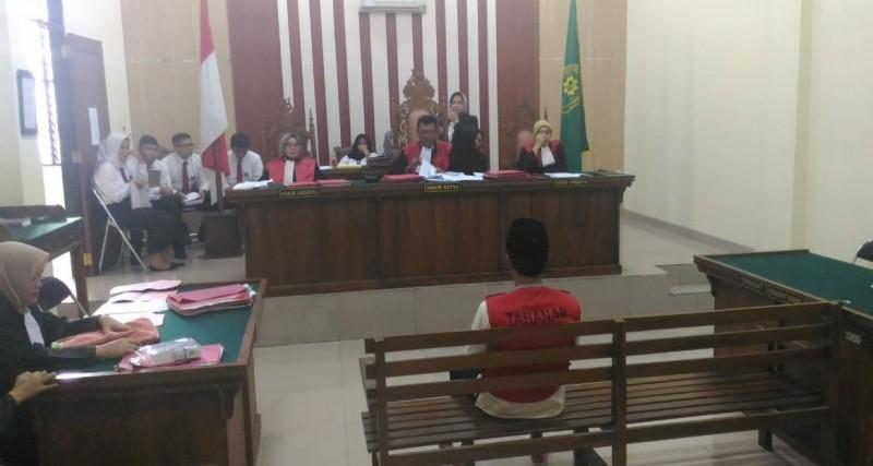 Pemilik 203 Pil Ekstasi Divonis 14 Tahun Penjara
