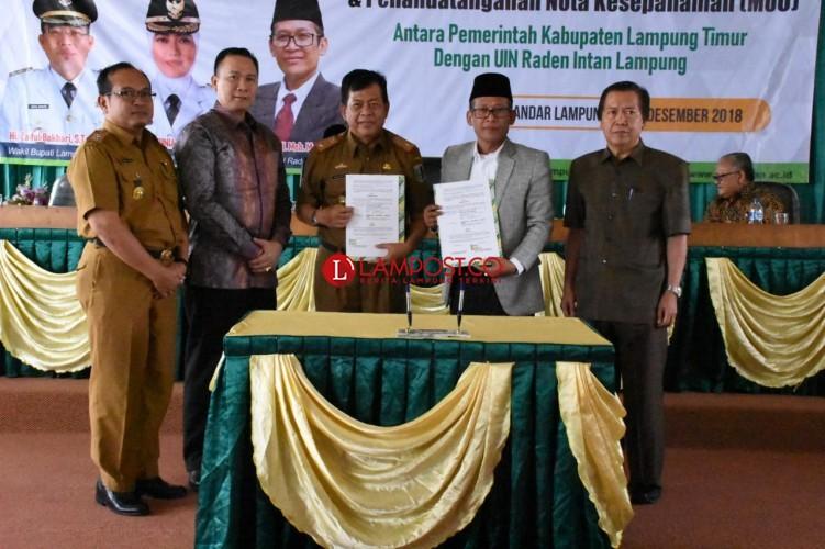 Pemkab Lamtim Luncurkan Buku Pahlawan Nasional KH Ahmad Hanafiah