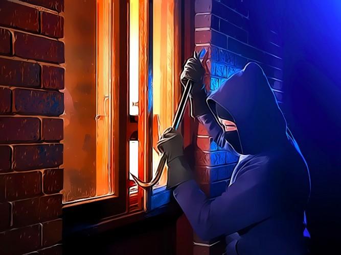 Pencuri Nyamar Petugas Kelistrikan Gasak Ratusan Juta