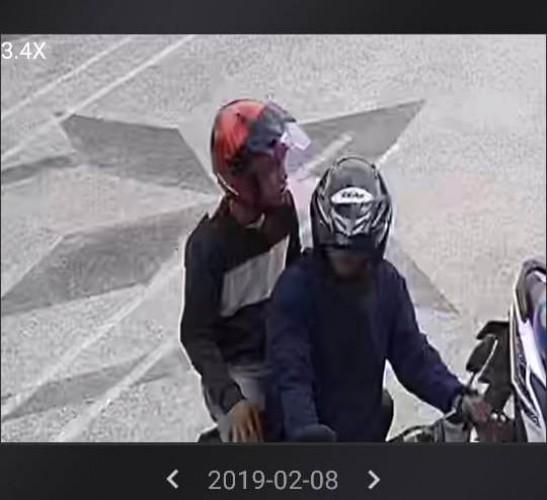 Pencurian Motor Konsumen di Toko Deoni Terekam CCTV