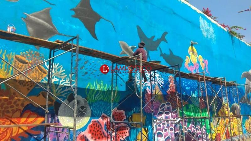 Pengerjaan Mural Underpass Unila Sudah Capai 50 Persen