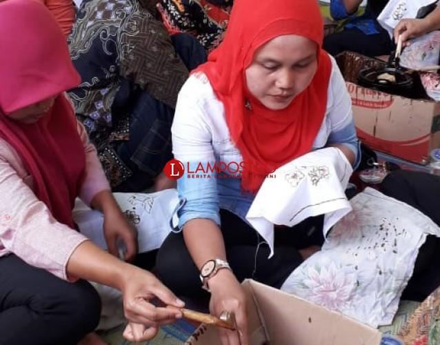Pengrajin Batik di Penawar Tama Ikuti Pelatihan dan Bimtek