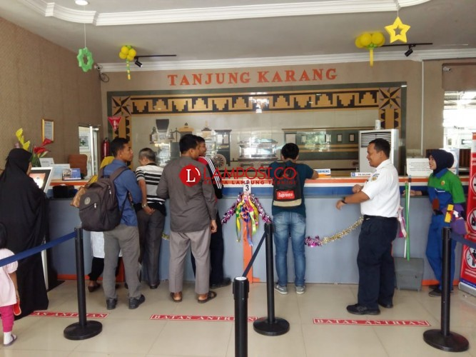Penumpang Lokal Dominasi Arus Mudik-Balik di Stasiun Kereta Api Tanjungkarang-Kotabumi