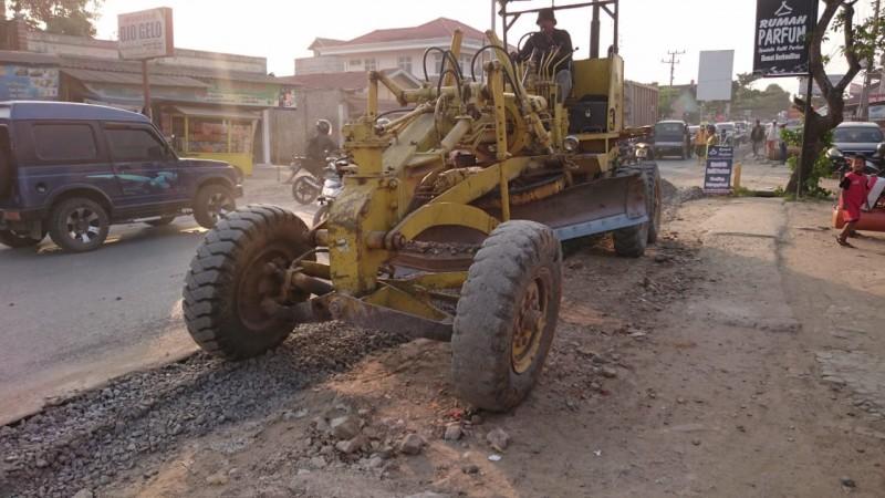 Perbaikan Jalan Provinsi Dikebut Selesai Akhir Tahun Ini